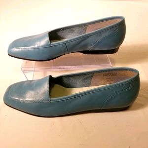Enzo Angiolini blue leather loafers flats size 6.5